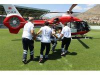 Hava ambulansı parmağı kopan çiftçi için havalandı