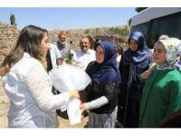 Vali eşi Pekmez'den şehit ailelerini ziyaret