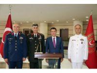 Görevi sona eren kuvvet komutanlarından Bakan Canikli'ye veda ziyareti