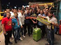 Evkur Yeni Malatyaspor'un yeni transferi Arturo Mina'ya havaalanında karşılama