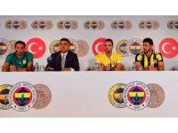 Fenerbahçe'de Isla, Soldado ve Guiliano için imza töreni düzenlendi