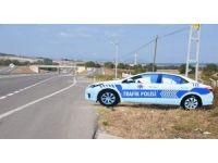 Sinop'ta yol kenarına maket trafik polis aracı konuldu