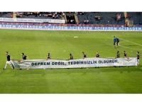 Osmanlıspor ile Galatasaray maçında 17 Ağustos depremi unutulmadı