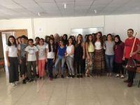 Diyarbakır türkülerini işaret dili ile seslendirdiler