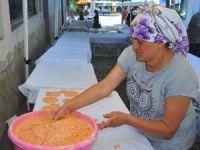 Kadınlardan tarhana yapımı eğitimi