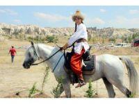 Kapadokya'da atlı okçuluk yarışması yapıldı