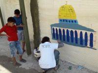 Türk öğrenciler Filistin mülteci kampını resimlerle süsledi