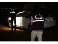 Kayıp ilanı verilen kişi bir arabada ölü olarak bulundu