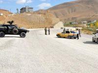 Van'da bombalı araç imha edildi
