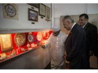 Başbakan Yıldırım'dan Singapur'da tarihi camiye ziyaret