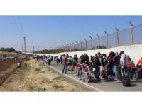 Sınırda vatan özlemi kuyruğu