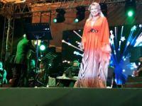 Muazzez Ersoy'dan Erdek'te müthiş konser