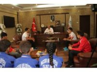 Genç sporcular Başkan Karayol'u ziyaret etti