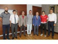 Şampiyon boksörden  Başkan Gümrükçüoğlu'na altın madalya sözü