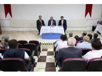 Vali Nayir, Hisarcık'ta okul müdürleri ve okul aile birliği başkanlarıyla bir araya geldi