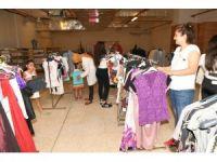 Çukurova Belediyesi'nden bayramlık giysi yardımı
