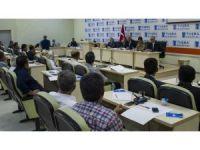 Vali Zorluoğlu'nun ilk muhtarlar toplantısı