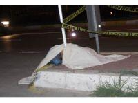 Kontrolden çıkan motosiklet otomobile çarptı: 1 ölü, 1 ağır yaralı