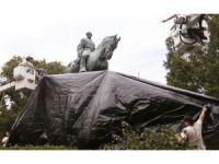 ABD'de general heykelleri siyah örtüyle kapatıldı