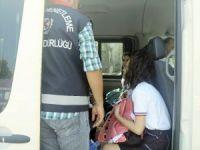 Polis ekipleri okul servislerinde uygulama yaptı