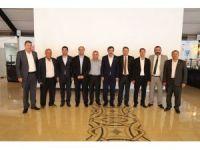 AK Parti Genel Başkan Yardımcısı Yılmaz meclis üyeleriyle bir araya geldi