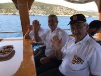 Gazilere tekne turu attırdılar