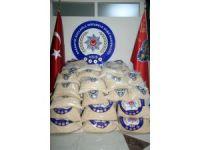 Sınır kapısında 499 kilo uyuşturucu ile yakalanan Suriyeli tutuklandı