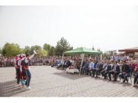 Ahlat'ta İlköğretim Haftası etkinliği