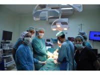 Devlet Hastanesi ürolojide ilk operasyonlara imza atıyor