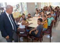 Eşkinat, Aydoğdu Sosyal Etkinlik Merkezinde öğrencilere okul malzemesi hediye etti
