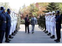 Bakan Canikli, Lübnan Savunma Bakanı Sarraf ile bir araya geldi