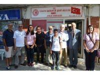 Ayvalık'ta Mehmet Akif Ersoy Ortaokulu 8. Sınıf öğrencilerinden gazilere anlamlı ziyaret