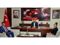 AK Parti yeni ilçe yönetimi Başkan Uysal'ı ziyaret etti