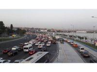 Avrasya Tüneli istikametinde trafik durma noktasına geldi