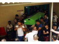 Antalya'da  feci kazada hayatını kaybeden 4 kişinin cenazesi alındı