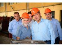 Başkan Sözlü Metal Sanayi Sitesi'nde işçilerle yemek yedi