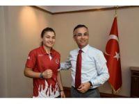 Şampiyon sporcudan Vali Çeber'e ziyaret