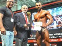 Silifkeli Emre Özel vücut geliştirmede Türkiye şampiyonu