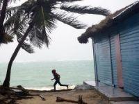Maria Kasırgası Dominik Cumhuriyeti'ne ulaştı