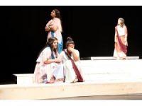 Tiyatro atölyesi öğrencileri 'Lysistrata' oyununu sahneleyecek
