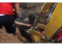 Göçük altında kalan iki işçi ağır yaralandı
