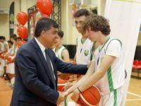 Şehitkamil'de 298 okula sportif malzeme dağıtıldı