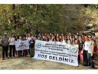 107 öğrenci 10 kilometre yürüdü