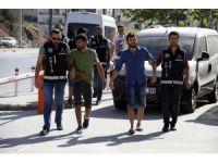 Uyuşturucu partisine baskında 2'si cezaevi firarisi 5 kişi gözaltına alındı