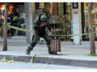 Kabloyu gören polisi aradı, çöpteki paket fünye ile patlatıldı