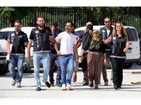 Öğrencileri zehirleyen uyuşturucu tacirleri yakalandı