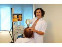 """Prof. Dr. Şentürk: """"Ağır diyetlerden sonra kadınlarda ciddi saç dökülmeleri olabiliyor"""""""