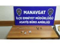 Manavgat'ta hırsızlık zanlısı uyuşturucuyla yakalandı