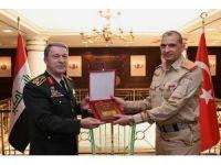 Irak Genelkurmay Başkanı ve beraberindeki heyet, Genelkurmay Başkanı Akar'ı ziyaret etti