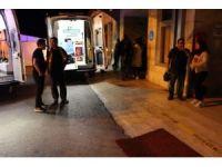 18 yaşındaki Aybüke'ye, yolun karşısına geçerken otomobil çarptı